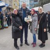Özkan ailesiyle birlikte pazaryerinde!