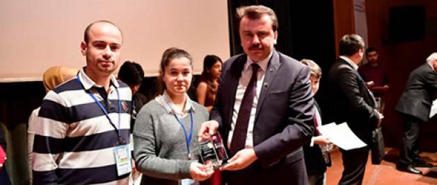 İstiklal'li öğrenci Türkiye üçüncüsü