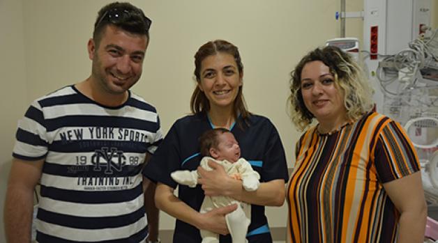 2 aylık prematüre bebeğe apandisit ameliyatı