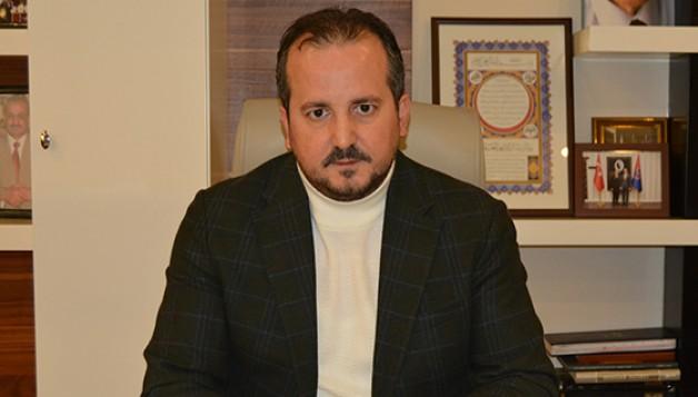 """""""AK Parti Türkiye'nin hizmetindedir"""""""