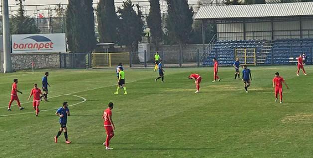 Karacabey Belediyespor 1 attı 3 aldı!