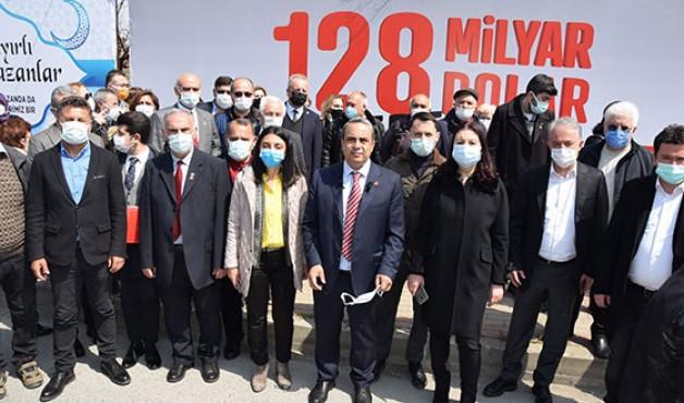 128 milyar afişi tekrar yerine asıldı