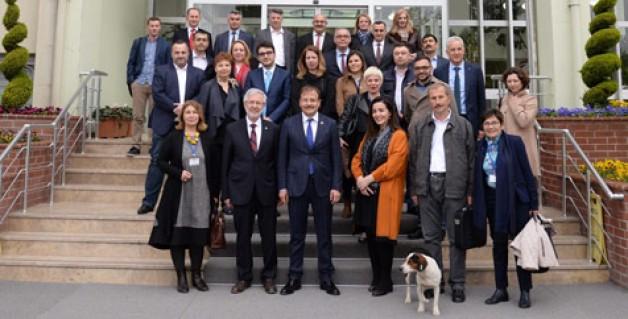 Avrupalı Parlamenterlerden ziyaret