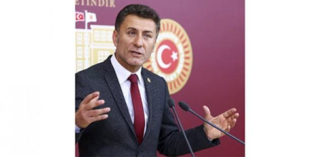 """""""Ayşe öğretmenle birlikte ailesi de cezalandırılıyor"""""""