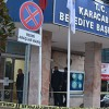 Belediye önünde silahlı saldırı: 1 yaralı!