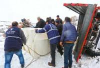 Karacabey Okçular ve Şahmelek Mahallesi'nde karla mücadele