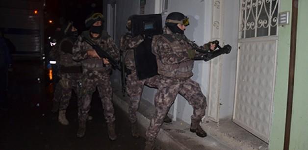 Bin polisle uyuşturucu baskını