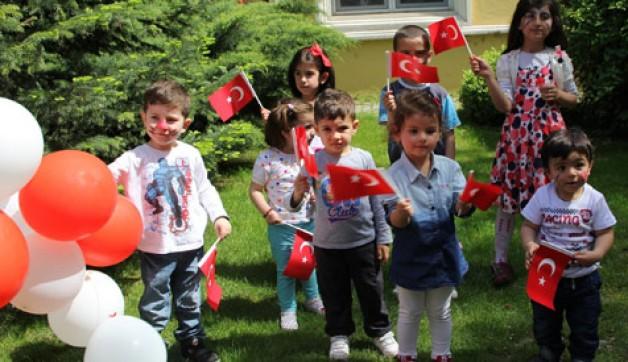 Bursa'da Uluslararası Çocuk Şenliği