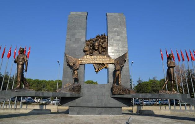 Bursa'ya yakışır bir Atatürk Anıtı