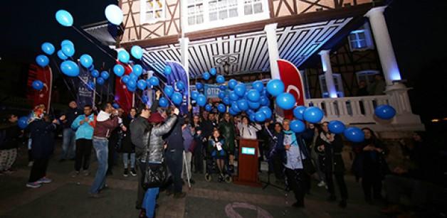 Bursa otizm için mavi ışık yaktı