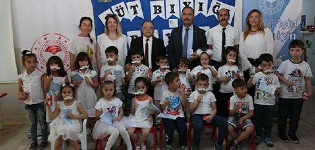 Dünya Süt Günü'nde çocuklara süt