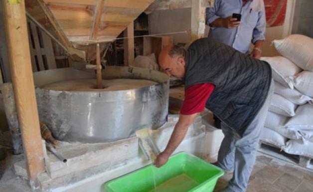 En doğal ekmeği üretiyor