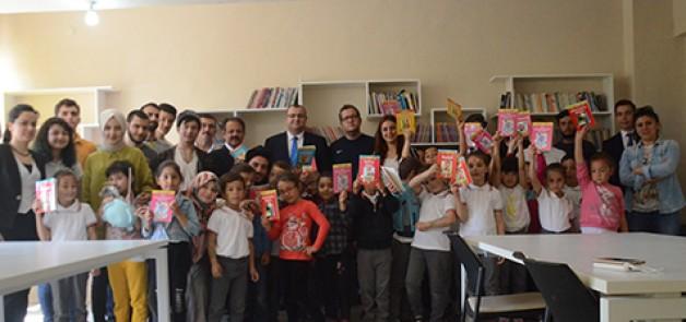 Köy okulu kütüphaneye kavuştu
