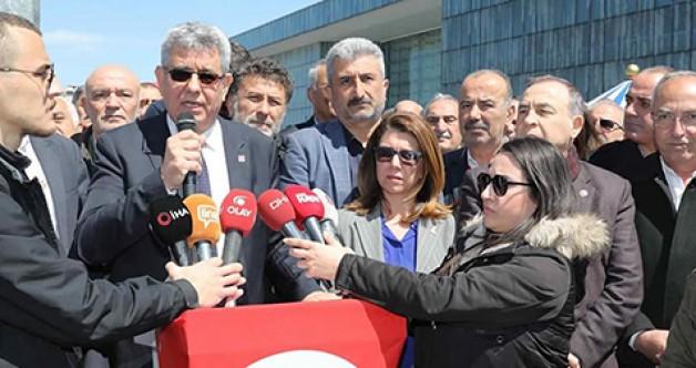 """""""Kılıçdaroğlu yalnız değildir"""""""