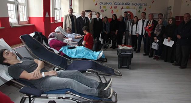 Kan bağışında okullar elçi oldu