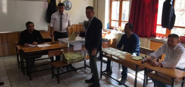 Karacabey'e teşekkür, AK Parti'ye gönderme