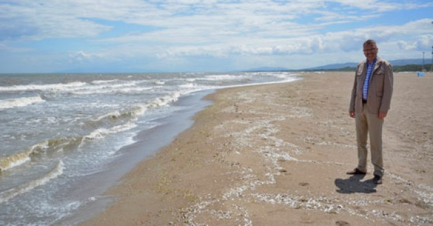Karacabey'in sahilleri 'yıldız' gibi