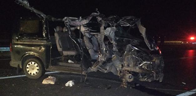 Karacabey'de trafik kazası: 2 ölü, 1 yaralı