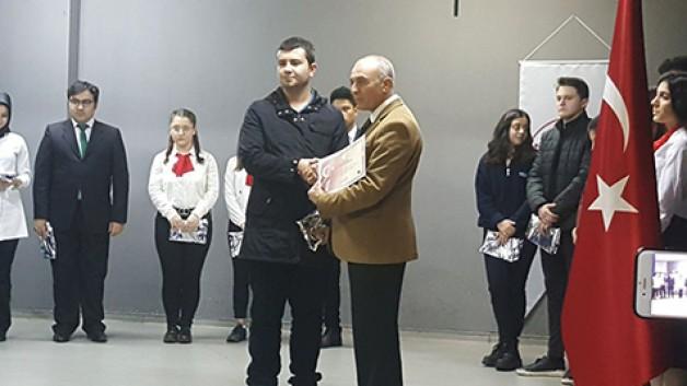 Karacabeyli öğrenci Bursa üçüncüsü