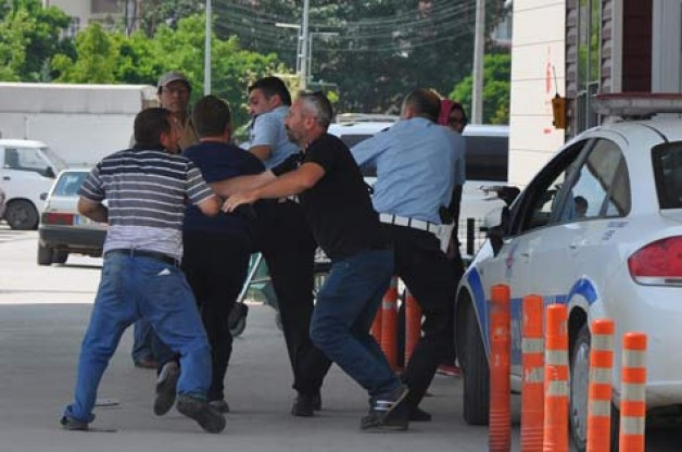 Kaza sonrası polise saldıran şahıs tutuklandı
