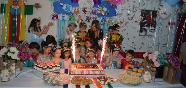 Miniklere unutulmaz 'toplu doğum günü'
