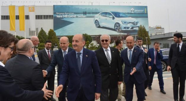 Müezzinoğlu'ndan referandum ziyaretleri