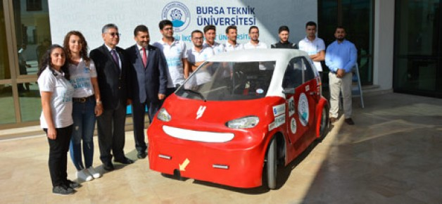 Öğrencilerden elektrikli araç
