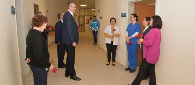 Özkan'dan Tıp Bayramı kutlaması