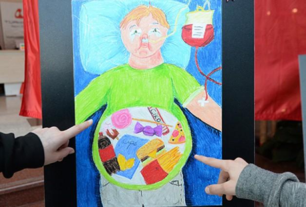 Obeziteyi resimlerine yansıttılar