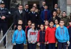 Sınav'lı öğrencilerden polise destek