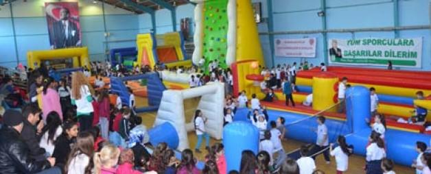Spor tırı İznik'te öğrencilerle buluştu