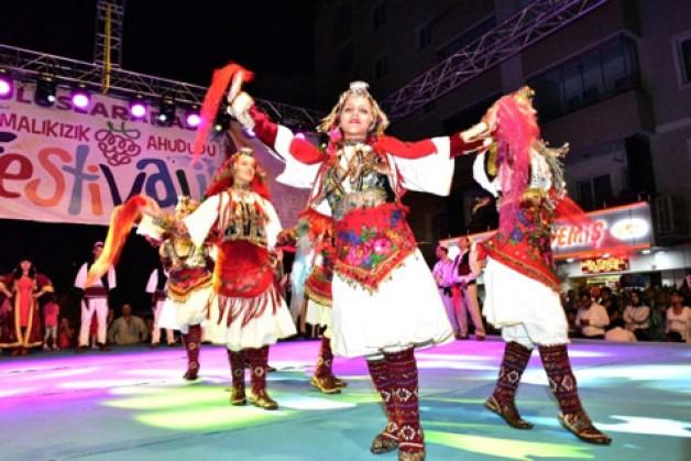 'Uluslararası Ahududu Festivali' sona erdi