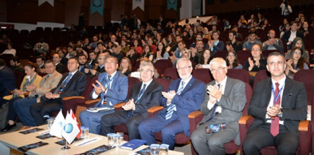 'Uluslararası İlişkiler' masaya yatırıldı