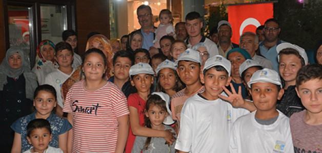 Yetim çocuklar için iftar