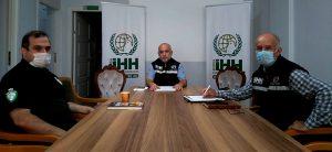 İHH'dan-İzmirli-depremzedelere-destek-2