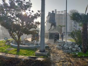 Atatürk Anıtı ve çevresi güzelleşiyor-2