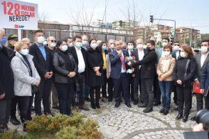 128 milyar afişi Mudanya'da tekrar yerine asıldı-2