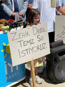 NİLÜFER-ZEHİR-AKIYOR-2