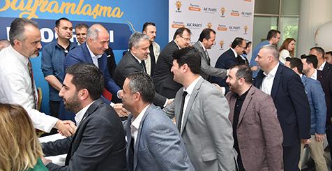 AK-Parti-Bursa-teşkilatı-bayramlaştı-2