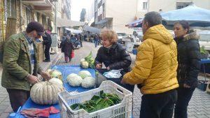 CHP pazarcıların içini ısıttı-3