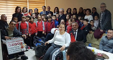 Engelli-Derneği'ne-anlamlı-ziyaretler-2