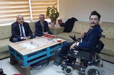 Engelli-Derneği'ne-anlamlı-ziyaretler-3