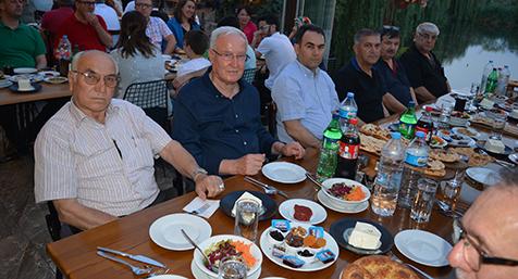 Esnaf-Kefalet'ten-ilgi-gören-iftar-3