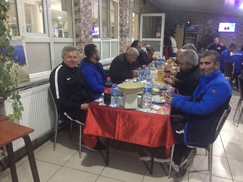 Hanifi-Usta'dan-Birlikspor'a-yemek-3