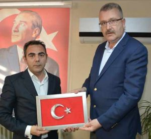 kahraman-turk-polisine-2