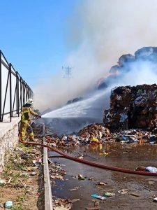 Karton fabrikasında korkutan yangın-2
