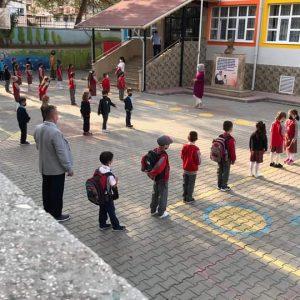 Minik öğrenciler için ilk ders zili çaldı-1