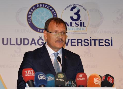 Üniversitelilere-ilk-ders-Çavuşoğlu'ndan-2
