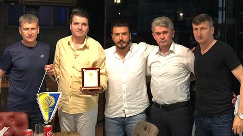 Yağcı'dan-şampiyon-takıma-yemek-3