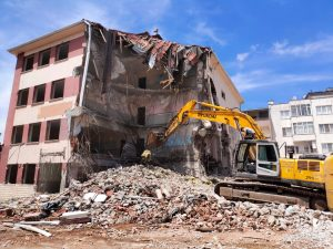 Yeni okul binaları önümüzdeki yıla yetişemeyecek-1